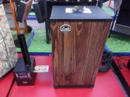 udirna-bradley-smoker-4-teak-wood