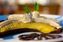 Banány zložíme z grilu až vo chvíli, keď sú tmavé a telo majú mäkké.