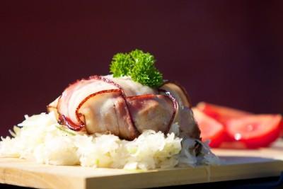 Hermelín grilovaný v slanine