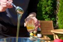 Med do omáčky použijeme domáci prípadne od známeho včelára.