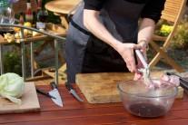 Ak si pri pridávaní cesnaku do pokrmov dáme prácu s vybratím jednotlivých malých klíčkov zo strúčikov, bude pokrm oveľa lepšie stráviteľný. Tento trik môžeme samozrejme využiť aj pri príprave hrianok či nátierok.