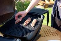 Kebab z mletého mäsa grilujeme približne 7-12 minút. Špízy priebežne otáčame, aby sa nepripálili.