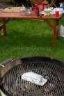 Zemiaky grilujeme po dobu cca 30 minút. Grilujeme na priamom žiare v strede grilu, pod poklopom.