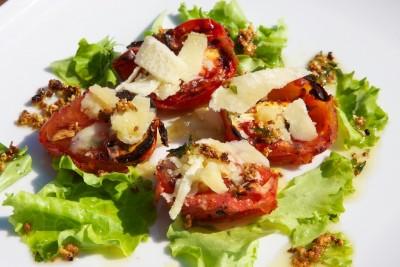 Grilované paradajky s cesnakom